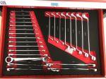 Количка за инструменти 213 части 7 чекмеджета червена
